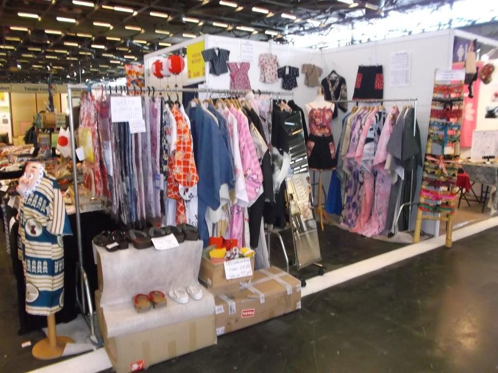 Terminez avec du shopping. Vous pouvez vous procurer des kimonos et yukata